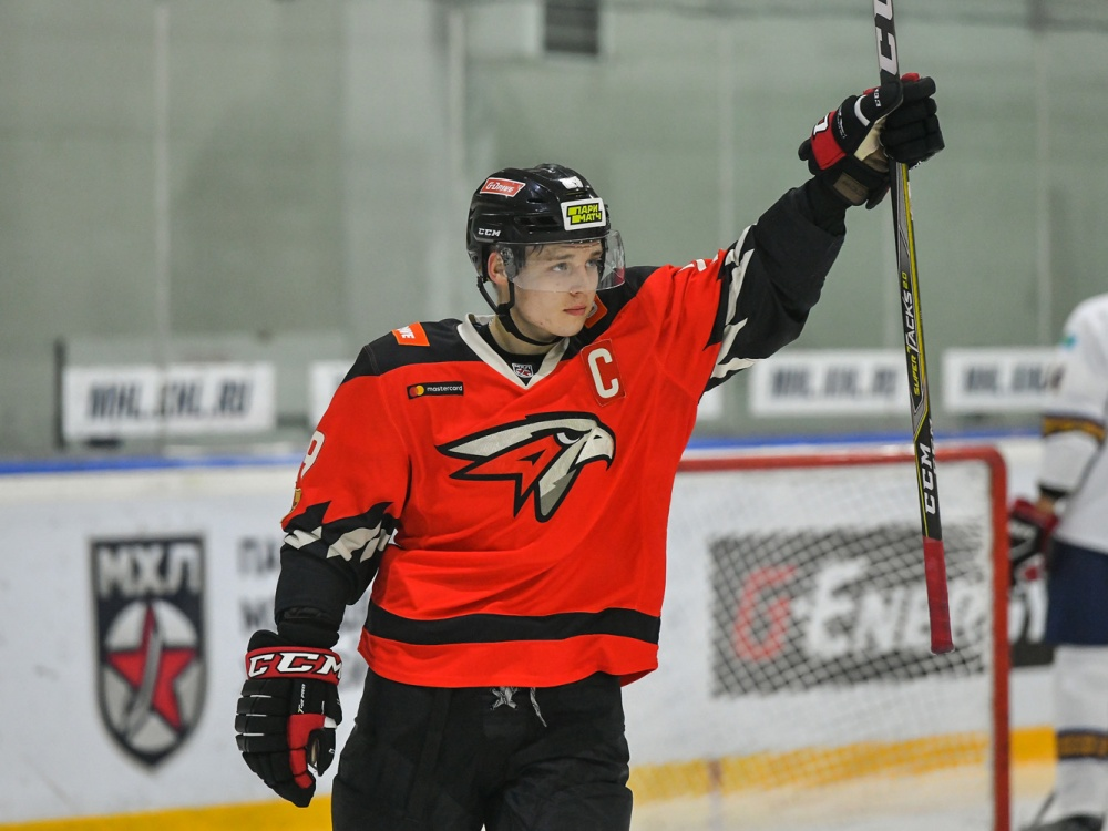 MOZYAKIN SCORES HIS FIRST IN JHL, OMSKIE YASTREBY STOP ALTAY. OCTOBER 15th REVIEW