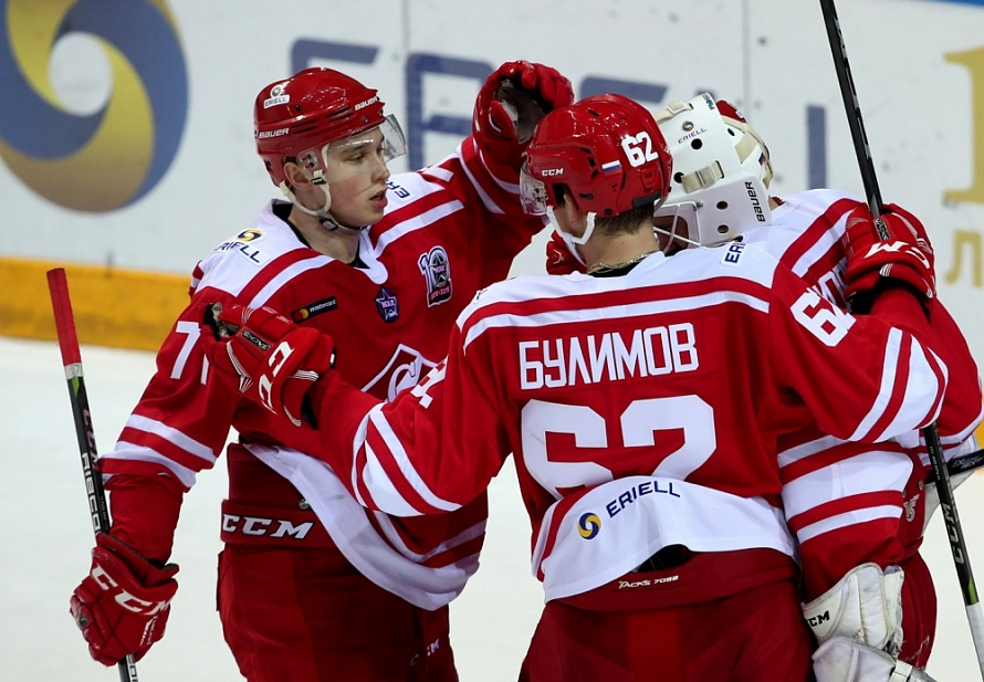 16-YEAR-OLD GETS A SHUTOUT IN ARMY RIVALRY, SPARTAK BEAT KRYLIA SOVETOV
