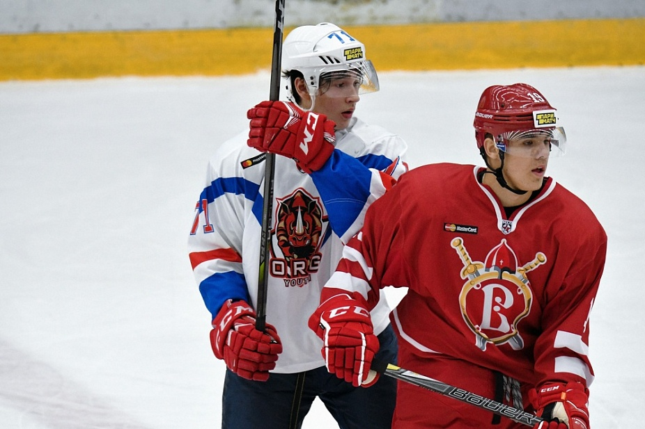 95 PENALTY MINUTES IN STUPINO, SAKHALINSKIE AKULY GET A HISTORIC WIN. SEPTEMBER 9th ROUND-UP